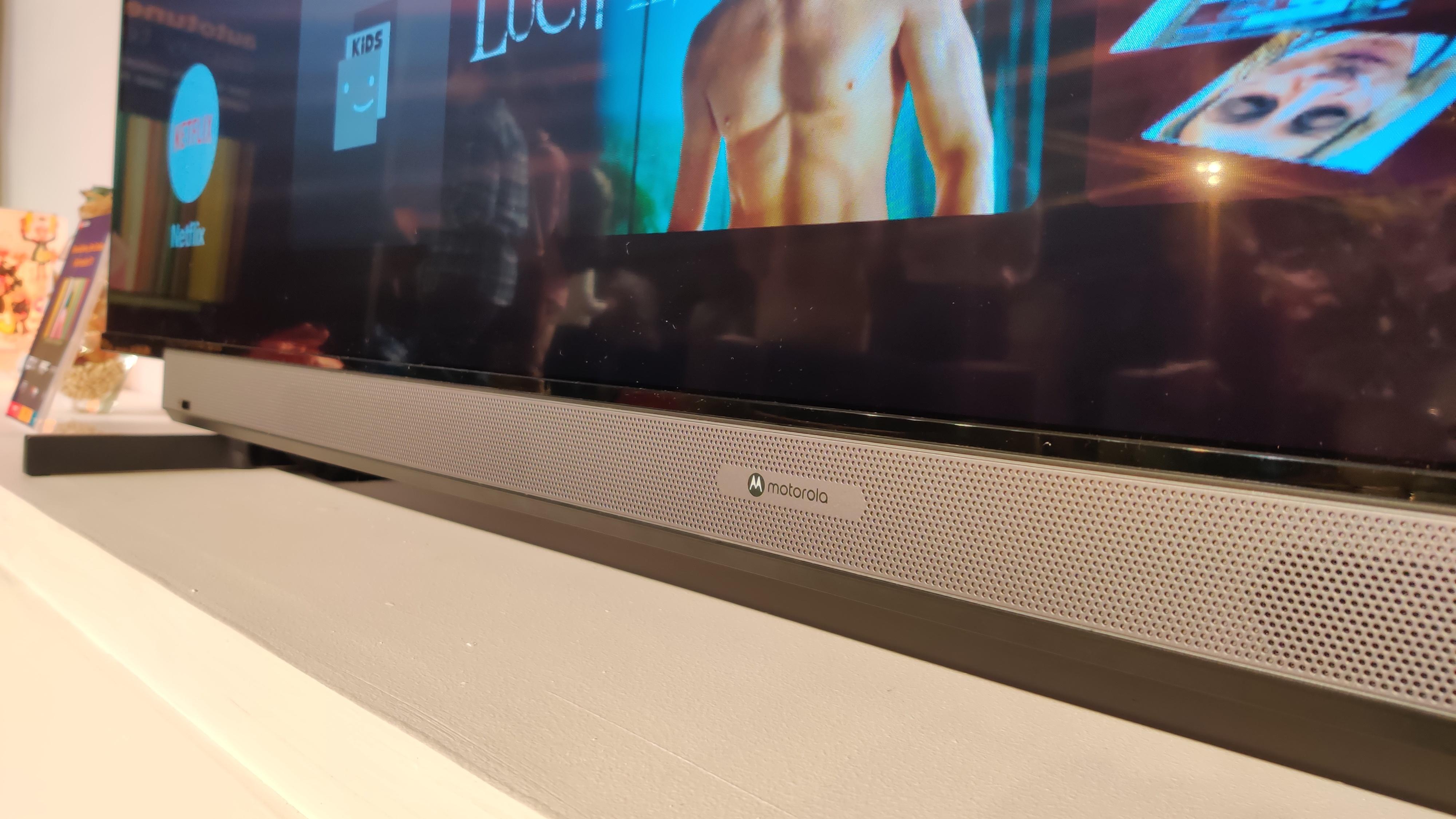 Motorola ties up with Flipkart to launch six smart TVs in India